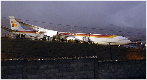 El avión de Iberia en la pista del aeropuerto de  de Quito. Foto: Agencia FNS en Flickr