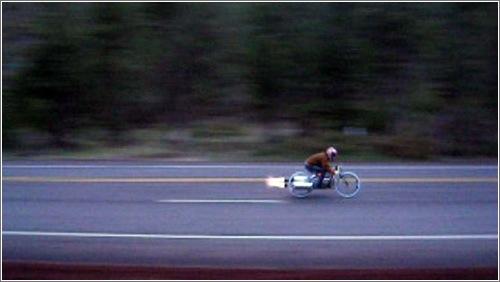 A 120 km/h en bicicleta
