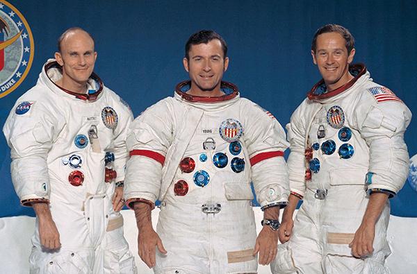 1280px Apollo 16 crew