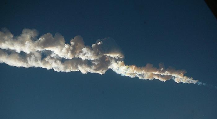 1920px Chelyabinsk meteor trace 15 02 2013