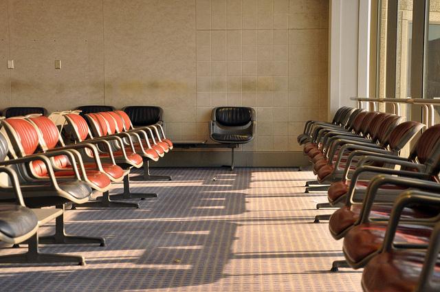 Airport seating (cc) James Lee