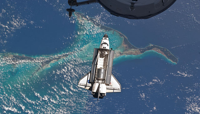 Atlantis Over the Bahamas (NASA, International Space Station, 07/10/11)