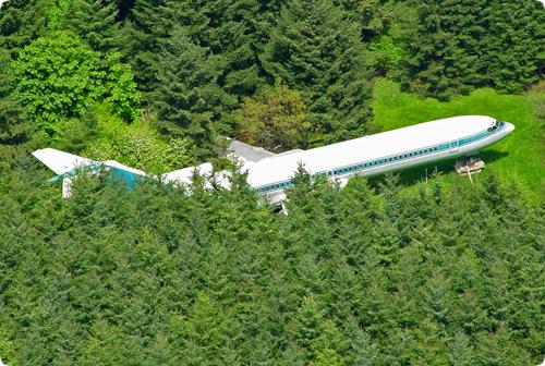 El Boeing 727 que permanece aparcado en un bosque