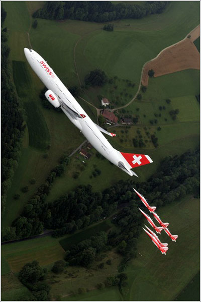 A330 y la Patrouille Suisse