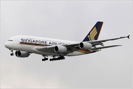 SQ308 a punto de aterrizar en Londres - g4sp