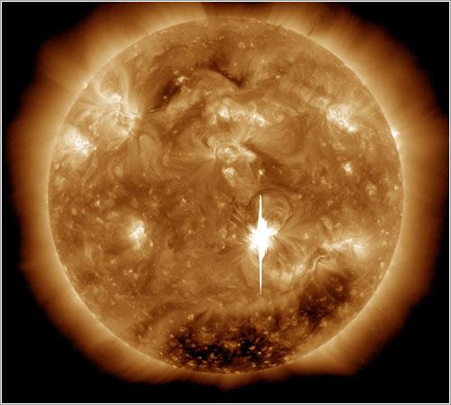 X-Class Flare - NASA / Goddard / SDO AIA Team