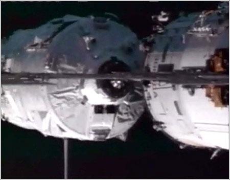 El ATV Julio Verne atracando en la ISS - ESA