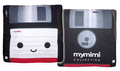 Mini floppy disk pillow por mymimi