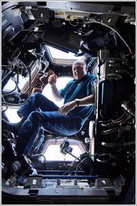 André Kuipers en la Cúpula de la ISS - NASA/ESA