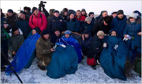 Los tres astronautas en sus primeros momentos en tierra firme - NASA/Bill Ingalls
