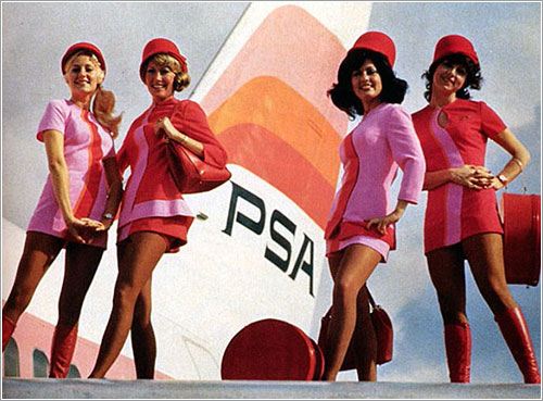 Air Hostesses of Yesteryear por Wired