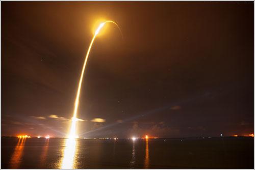 Lanzamiento de la Dragon CRS-1 - Ben Cooper/LaunchPhotography.com