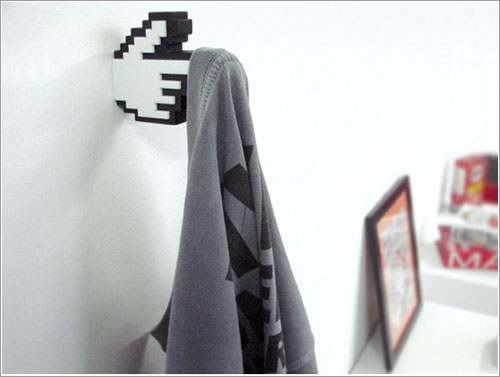 8-Bit hanger por Meninos