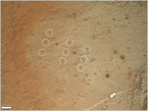 Marcas de la ChemCam - NASA/JPL-Caltech/MSSS/Honeybee Robotics/LANL/CNES
