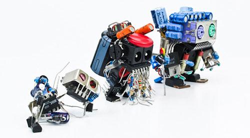 D-Bugs, adorables robotijos hechos de componentes electrónicos