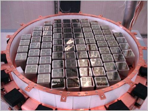 Tubos fotomultiplicadores del detector XENON100 - the XENON collaboration