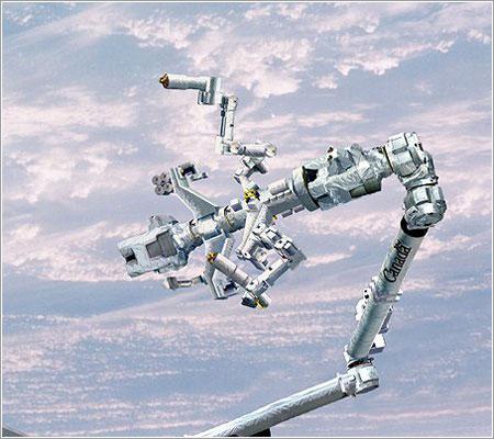Dextre, el nuevo brazo robot de la ISS