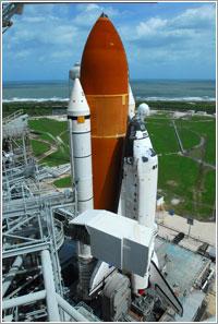 El Discovery listo en la plataforma de lanzamiento - NASA