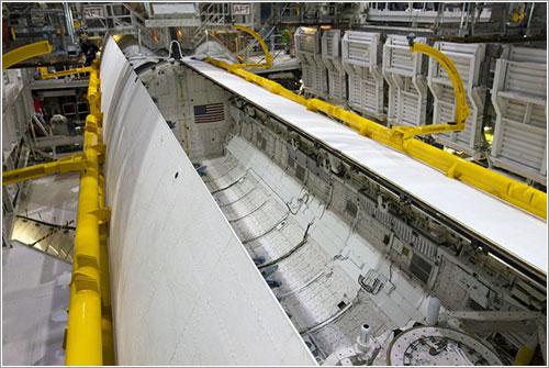 Cierre de las puertas - NASA/Kim Shiflett