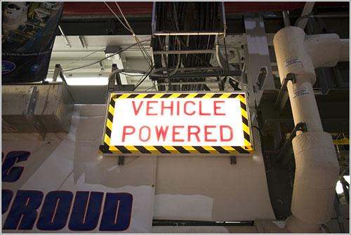 Señal de vehículo encendido - NASA/Kim Shiflett