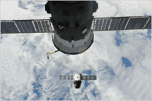 La Dragon CRS-5 a su partida de la EEI