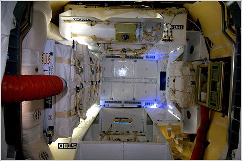 Interior de la Dragon - ESA/NASA
