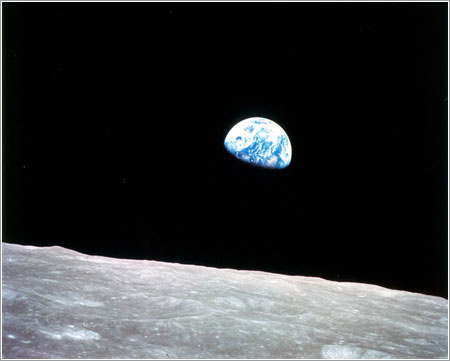 Amanecer de Tierra desde el Apolo 8 / NASA