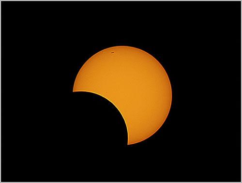Eclipse solar de mayo de 2013 por Ángel R. López-Sánchez