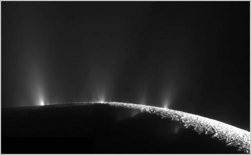 Los chorros de agua de Encélado