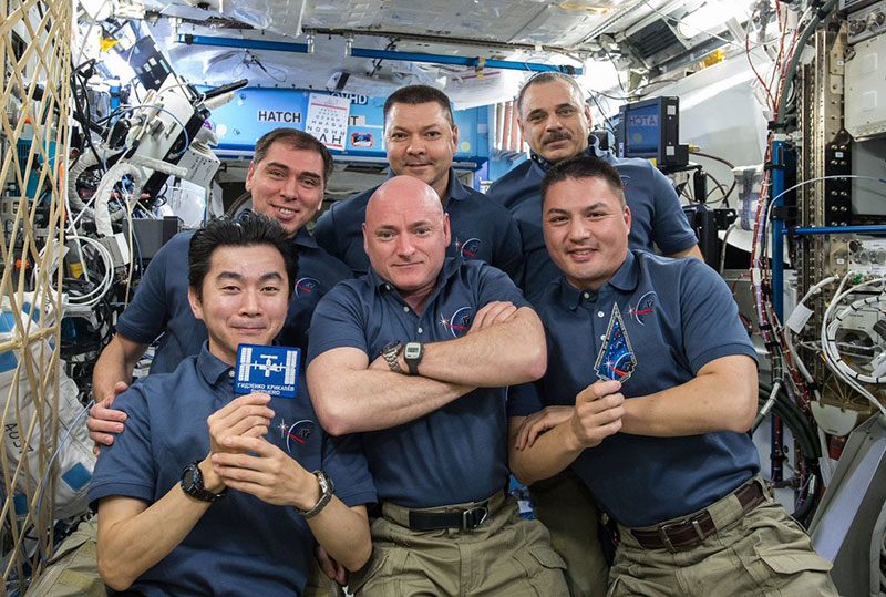 Foto de despedida de la Expedición 45