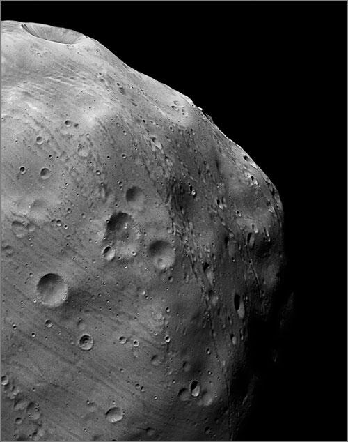 Fobos por la Mars Express - ESA/DLR/FU Berlin (G. Neukum)