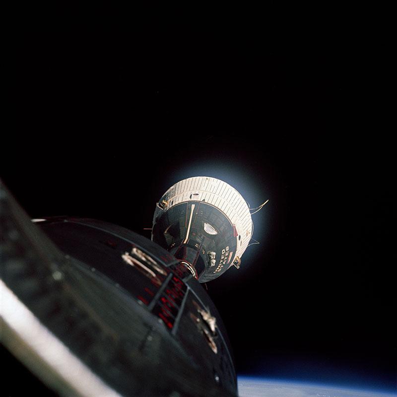 La Gemini 7 a unos 20 metros de distancia