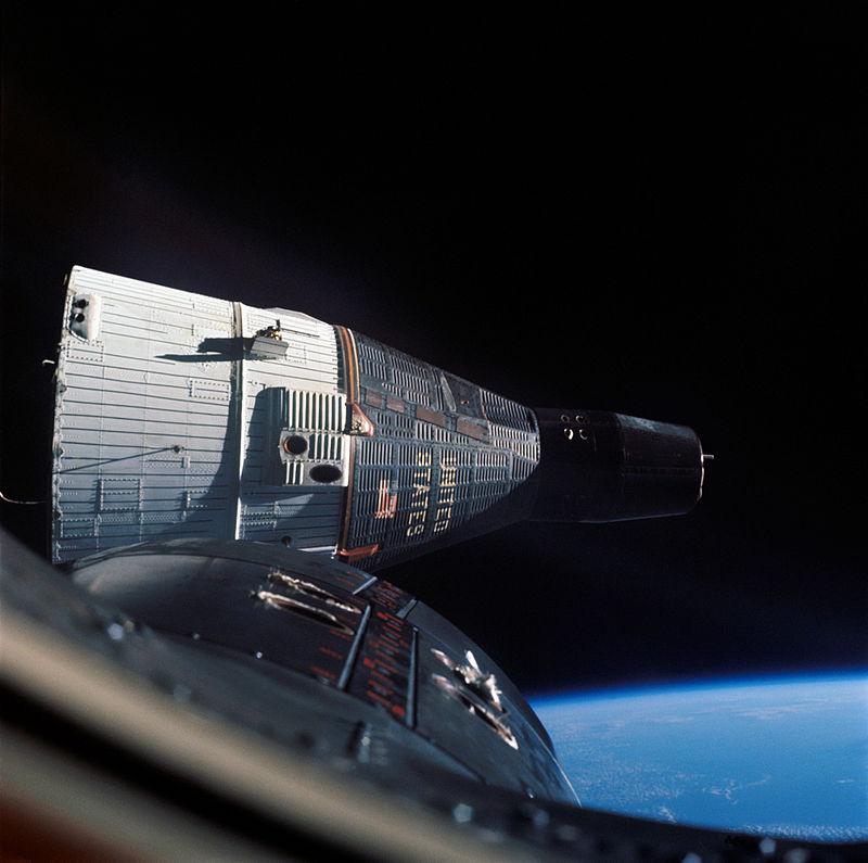 La Gemini 7 vista desde la Gemini 6
