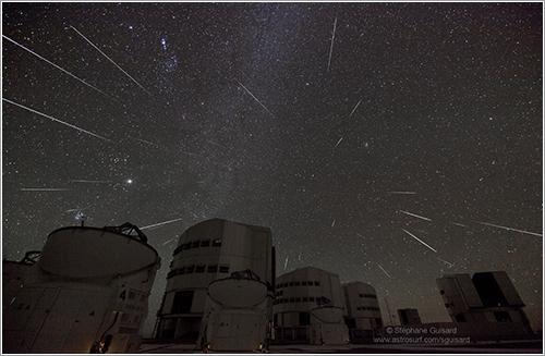 Las gemínidas sobre el observatorio de Paranal - Stéphane Guisard