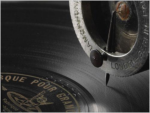 Detalle del Gramófono Deutsche Gramophon Gesellschaft de 1902