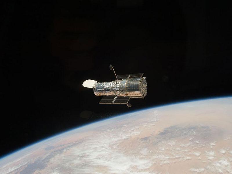 La NASA arregla el Hubble apagando y encendiendo y sacudiendo uno de sus giroscopios