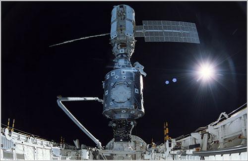 Conexión de los módulas Zarya y Unity - NASA