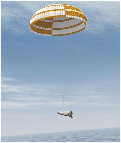 El IXV colgando de su paracaídas