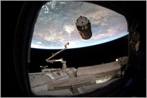 Kounotori 2 abandonando la ISS - ESA/Paolo Nespoli