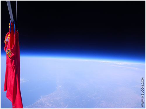 La roja en la estratosfera