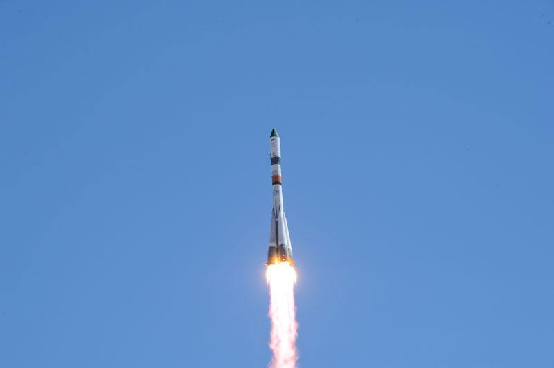 Lanzamiento de la Progress M-27M