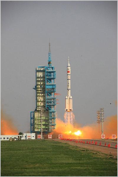 Lanzamiento de la Shenzhou-9