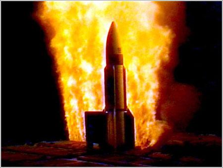 Lanzamiento de un Standard Missile 3 - U. S. Navy
