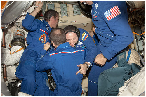 Llegada de nuevos astronautas a la ISS