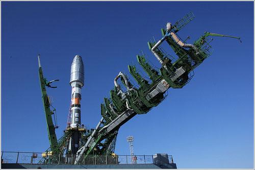 El Soyuz en la plataforma de lanzamiento