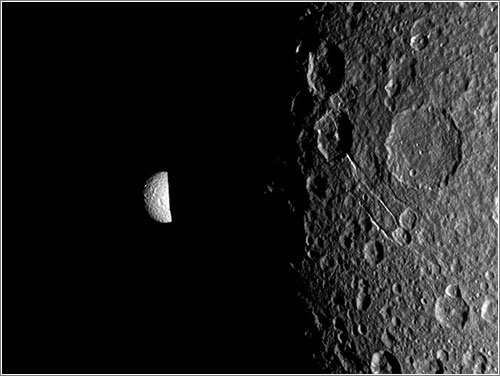 Mimas y Dione - NASA/JPL-Caltech/Space Science Institute