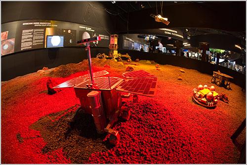 Model del rover ExoMars - ESA/M. Pedoussaut