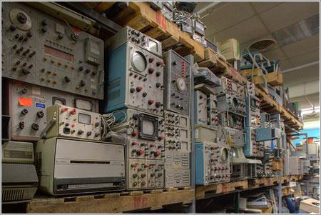 Osciloscopios en The Black Hole / Dave Bullock