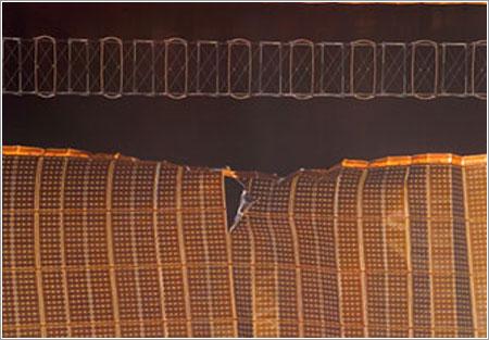 Panel solar dañado de la ISS / NASA TV