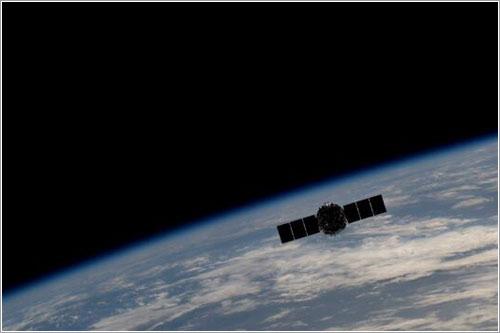 La Cygnus alejándose de la EEI